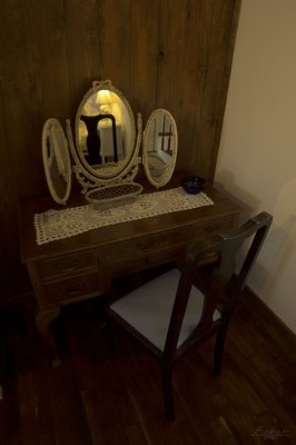 Loft - dressing table / Grenier - coiffeuse