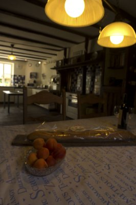 Dining table / Table a manger